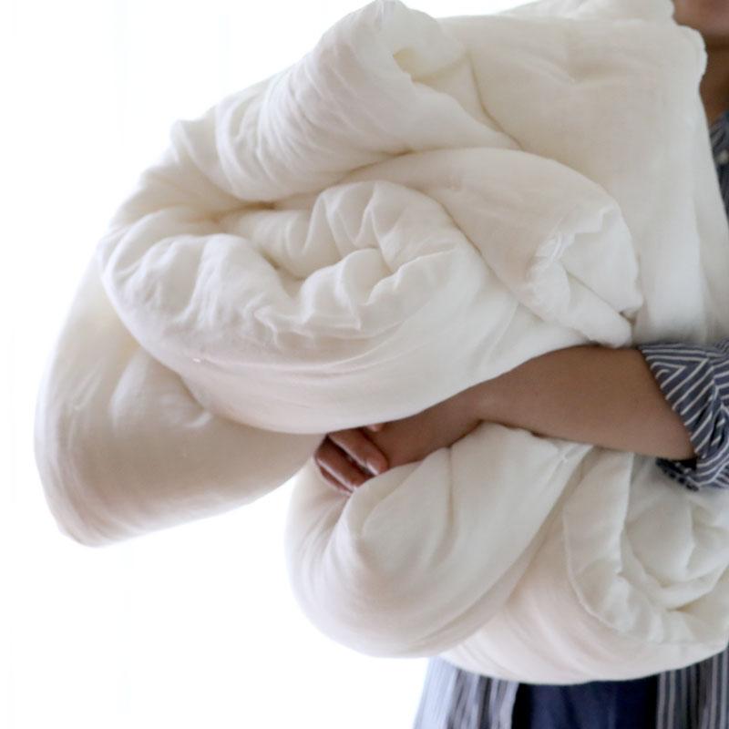とっても軽くてふわふわ。真綿の掛布団。