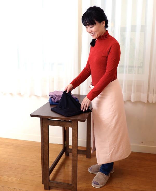 茂次郎の手引き真綿ひざ掛け こんな大きさです
